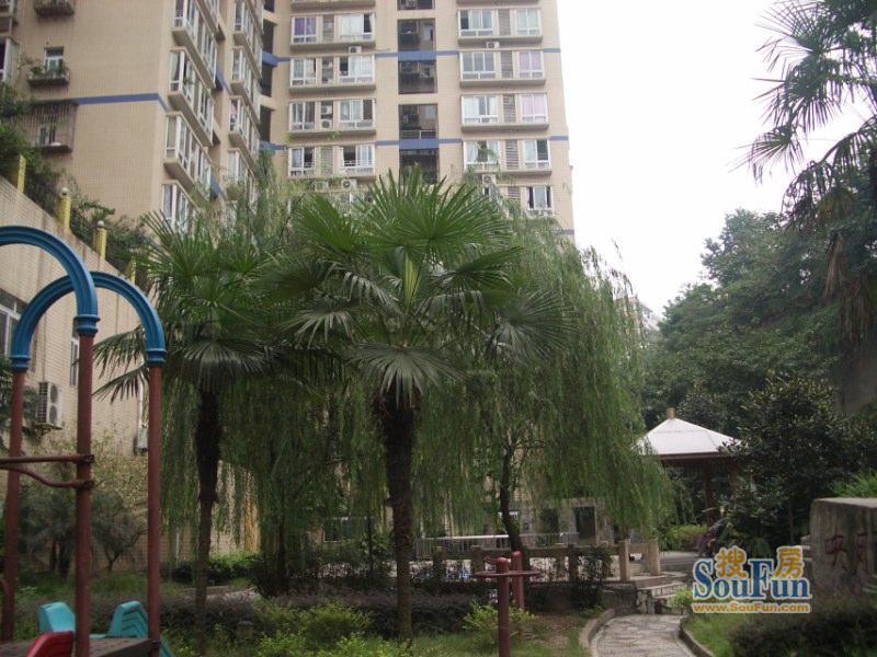 庆江北大石坝 蓝箭宾馆旁